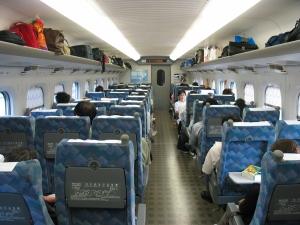 700_Series_Shinkansen_Interior